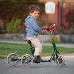À 4 ans, mon enfant sait pédaler (tricycle ou vélo avec stabilisateur)