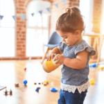 Comment faire pour que mon enfant ne passe pas l'été devant les écrans ?